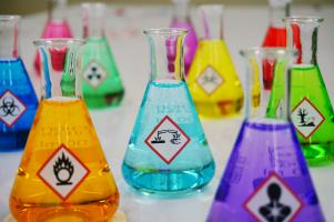 Hazardous substances in Erlenmeyer flasks